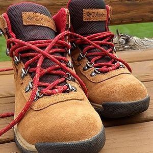 Women's Columbia waterproof hiking boots